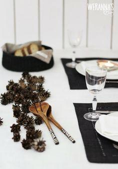 WERANNA'S: Black and white Christmas table - Mustavalkoinen joulukattaus II