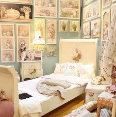 #Romantic bedroom ideas by inart. Sweet pink dreams! Discover more at www.inart.com