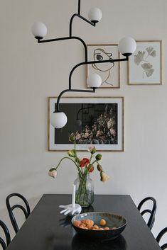 Details - art deco spirited lamp, vase, paintings