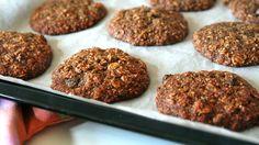 Datlové s oříšky Crackers, Muffin, Cookies, Breakfast, Food, Crack Crackers, Morning Coffee, Pretzels, Biscuits