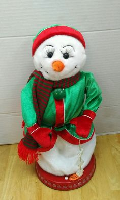 b4e930ad7378d GEMMY ANIMATED MRS SNOWMAN FIGURE LIGHTS UP   SINGS TO SANTA BABY