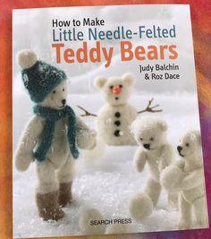 How to needle felt bears Needle Felted Animals, Felt Animals, Book Crafts, Felt Crafts, Craft Books, Felted Wool Crafts, Needle Felting Tutorials, Beginner Felting, Wet Felting