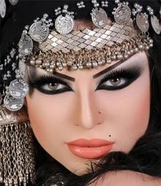 Arab makeup style   #WaterproofLiquidEyelinerPen #BellaReina #mibellareina #blackWaterproofLiquidEyelinerPen #plumWaterproofLiquidEyelinerPen #lipstick  #electricblueWaterproofLiquidEyelinerPen #fashionhandbag #lipstickbag #fashionusa #LavenderEssentialOilUses #BenefitsofLavenderOil #PeppermintEssentialOilUses #VeganMakeup #VeganCosmetics #VeganLipstick