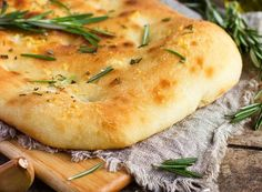Herb infused flat bread is just the beginning; grab two slabs, pack them with shredded pork or beef, and slather with BBQ sauce for a carniverous, mouth-stretching meal. Smoker Recipes, Gourmet Recipes, Healthy Recipes, Traeger Recipes, Love Food, A Food, Food And Drink, Pesto, Focaccia Recipe