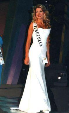 La Miss mas Sencilla, Hermosa e Inteligente, Miss Venezuela 1996, y Virreina Universal 1997, Marena Bencomo..