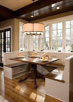 Built-In Dining Room #Bench and Table.  Great #Kitchen Design Ideas