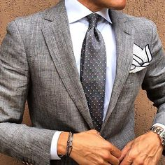 Trajes chaqueta gris para hombre  #men #fashion #style #moda #hombre