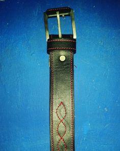 #Buenasnoches amigos Les presentamos este #cinturón para #hombre fabricado en puro #cuero por la #Talabartería Plinio Ortiz. Para mayor información comunícate al #cel + 57 312 385 6062