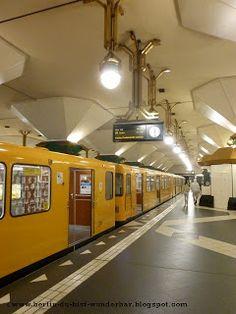 Der Bahnhof Berlin Spandau lag am West Berlin, im Bezirk Spandau. Hier halten Fernzüge, Regionalbahnen, S-Bahnen und U-Bahn Rathaus Spandau ...