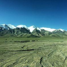High altitude traveling #qinghai #qingzangrailway #elevation5000m #notsickyet