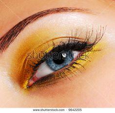 Afbeeldingsresultaat voor yellow eye makeup