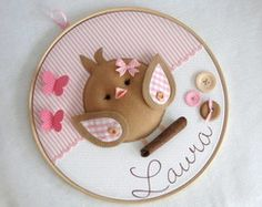 Ideas Embroidery Hoop Name Heart For 2019 Felt Crafts Diy, Baby Crafts, Fabric Crafts, Sewing Crafts, Craft Projects, Sewing Projects, Felt Wreath, Felt Baby, Sewing Patterns For Kids