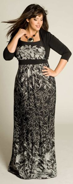 Fashionista: Beautiful Lady in Maxi Dress:Plus Size