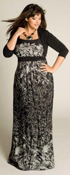 Fashionista  Beautiful Lady in Maxi Dress Plus Size Ladies Fashion 1cfc97a51