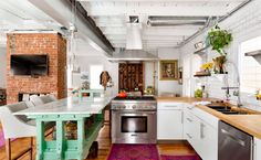 Rules to Pull Off a Successful Eclectic Design (Without it Feeling Overwhelming) - http://freshome.com/Successful-Eclectic-Design/