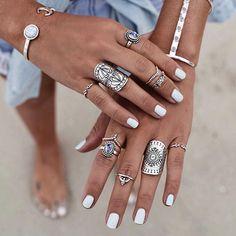 Shine bright beauties ✌️ sending love and light  all rings available online {link in bio}  @bobbybense #loveandlight