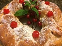 Welcome to Bonita's Kitchen! Today we will be making Christmas Fruit Bread. Sweet Dough, Raisin Bread, Fruit Bread, Hot Cross Buns, Pan Bread, Mixed Fruit, New Cookbooks, How To Make Bread, Baking Tips