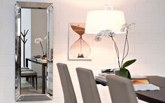 El espeso Pleasure, de la firma italiana Calligaris es perfecto para embellecer los espacios.