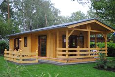 Why You Should Consider Buying a Log Cabin - Rustic Design Cozy Cabin, Cozy Cottage, Cozy House, Cabin Homes, Cottage Homes, Log Homes, How To Build A Log Cabin, Building A Cabin, House Contractors