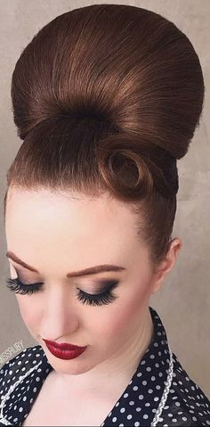 Sleek Hairstyles, Pretty Hairstyles, Updo Hairstyle, Sleek Updo, Elegant Updo, Stacked Hair, Super Hair, Madame, Big Hair