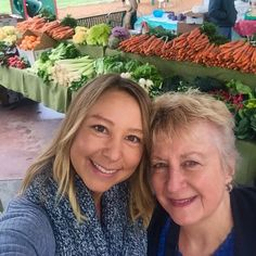 Davis farmers market with Grammie this past weekend. Wishing I could take all the wintertime fruits and veggies back to Maui  #davisfarmersmarket #eatlocal #eatyourcolors #organic #supportlocal by seasaltedsunshine
