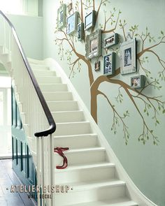 Giant Family photo tree for staircase wall by AtelierBishop Creative Wall Painting, Wall Painting Decor, Family Tree Wall, Tree Wall Art, Decorating Stairway Walls, Casa Retro, House Plants Decor, Home Room Design, House Design
