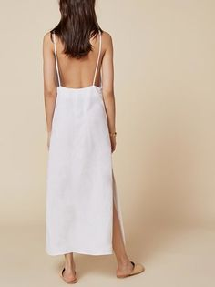 You don't want clingy relationships, and sometimes you don't want clingy outfits either. This is an ankle length dress with a very low back and a straight neckline. Modern Fashion, Minimalist Fashion, Boho Fashion, Fashion Outfits, Street Fashion, Womens Fashion, Minimal Outfit, Lily Dress, Dream Dress