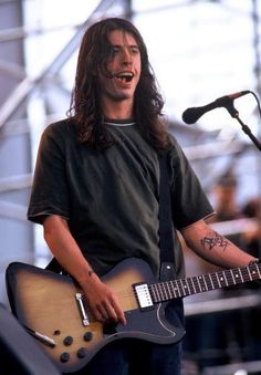 Foo Fighters 1995 Pictures and Photos Beautiful Boys, Pretty Boys, Foo Fighters Dave Grohl, Grunge, Music Bands, Rock Music, Rock Bands, Pretty People, Rock And Roll