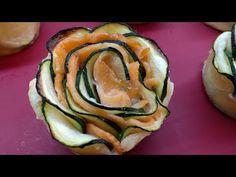 Rosas de salmón y calabacín con hojaldre, muy fáciles - YouTube Sushi, Yummy Food, Tasty, Food Decoration, Canapes, Sin Gluten, Finger Foods, Salad Recipes, Zucchini