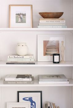 Home Interior Hallway Easy Steps for Shelf Styling - Harlowe JamesHarlowe James.Home Interior Hallway Easy Steps for Shelf Styling - Harlowe JamesHarlowe James Decoration Chic, Decoration Bedroom, Room Decorations, Wall Decor, Cute Dorm Rooms, Cool Rooms, Farmhouse Side Table, Easy Home Decor, Smart Home