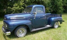 1949 Ford F-1 Pickup Truck Lifted Ford Trucks, Car Ford, Vintage Trucks, Old Ford Pickups, Classic Pickup Trucks, Blue Check, Old Pickup, Pro 2017, Toy Trucks