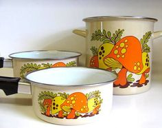 Vintage 3 Piece Mushroom Cookware   want!