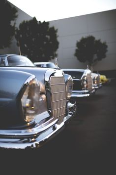 Mercedes Benz – One Stop Classic Car News & Tips Mercedes Auto, Mercedes Benz Autos, Old Mercedes, Classic Mercedes, M Benz, Automobile, Mercedez Benz, Daimler Benz, Luxury Cars