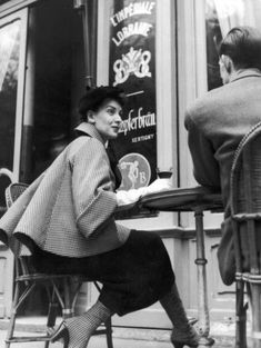 Vintage | Fashion | BW | Photography  | 1954 | Christian Dior designer