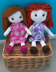 Sew Idea For Gifts Wee Wonderfuls - Sewing Rag Dolls Diy Rag Dolls, Yarn Dolls, Sewing Dolls, Diy Doll, Fabric Dolls, Rag Doll Tutorial, Doll Hair, Soft Dolls, Doll Crafts