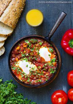 Andalusian auringossa - matka-, viini- ja ruokablogi: Aurinko nousee Lähi-idästä: shakshouka