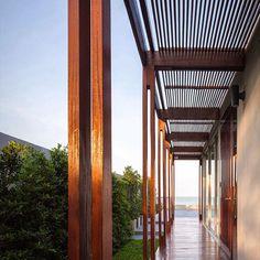 """Em Prachuap Khiri Khan, na Tailândia projetado por Beautbureau #inandoutdecor In Prachuap Khiri Khan, Thailand designed by #beautbureau…"""