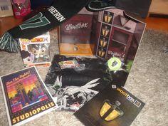 Nach der letzten - eher dürftigen - Wootbox, war ich von vornherein sehr gespannt auf die aktuelle Wootbox. Mit den Franchises von Dragon Ball, X-Men, Harry Potter und Sonic, kann ja nicht viel schief gehen, oder?  #Artwork #Ball #Bericht #box #Dragon #Dragonball #Erfahrung #Figur #Freak #Geek #Harry #Kram #Loot #Mania  #Nerd #Pin #Pop #Potter #Schal #Senf #Slytherin #Sonic #Studiopolis #Super #TShirt #Testbericht