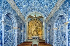 IGREJA SÃO LOURENÇO, ALMANCIL - The Church of São  Lourenço (St. Lawrence) in Almancil is considered one of the greatest artistic treasures in the Algarve. Built in the first half of the 18th century, it is a single nave church with a chancel covered by a beautiful dome. Extraordinary examples of Portuguese azulejos (traditional blue and white tiles) cover the walls and ceilings.