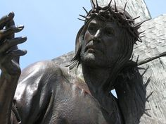 Officials at the San Domenico School in California decided recently to remove the Catholic statues and icons in a move to be seen as more inclusive.The school is celebrating its year. Jesus Christ, Savior, Jesus Pictures, Free Pictures, Jesus Status, Jesus Photo, Jesus Stories, Mary And Jesus, Viajes
