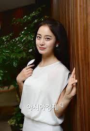 Kim Tae Hee, Korea, Singer, Actresses, Actors, Womens Fashion, Female Actresses, Singers, Women's Fashion