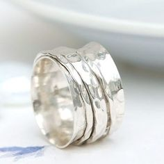 Flo Spinning Ring