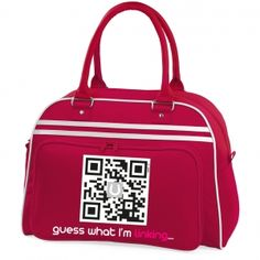 Christmas-red bowling bag with editable QR code. You can decide to change what's behind the code at anytime, using the Ulink.it interface!