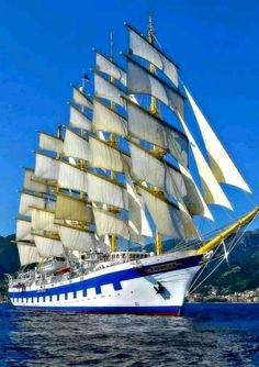 Bateau Pirate, Old Sailing Ships, Full Sail, Wooden Ship, Tug Boats, Sail Away, Set Sail, Power Boats, Tall Ships