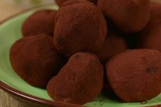 Jemné vianočné čokoládové pralinky rozplývajúce sa na jazyku (+ Videorecept)