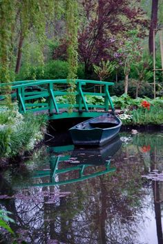 En mi top de lugares por visitar está --> Monet's Garden, Giverny France. October 2007
