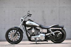 Harley Davidson News – Harley Davidson Bike Pics Harley Davidson Pictures, Black Harley Davidson, Harley Davidson Sportster, Dyna Low Rider, Hardcore, Harley Dyna, Bike Photo, Bobber Chopper, Old Bikes