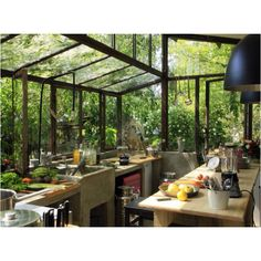 Greenhouse Kitchen : What I would do for this! Kitchen: Big windows, eclectic tiles and pots and pans Earthship kitchen: Oka. Bohemian House, Bohemian Style, Bohemian Interior, Boho Hippie, Retro Interior Design, Hippie House, Interior Modern, Bohemian Fashion, Modern Luxury