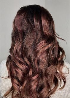 Tips for Dyeing and Maintaining Your Rose Brown Hair Color Rose Brown Hair, Brown Hair Shades, Brown Ombre Hair, Brown Balayage, Brown Hair With Highlights, Brown Blonde Hair, Ombre Hair Color, Light Brown Hair, Cool Hair Color