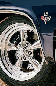 1965 Chevrolet Impala SS Billet Wheel #windscreen #windscreens #winddeflector http://www.windblox.com/